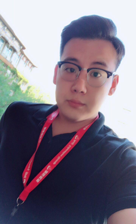顾问:王梓橦